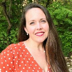 Dr Lisa Akers